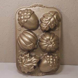 👹SOLD👹Nordic Ware Autumn Treats Cake Pan